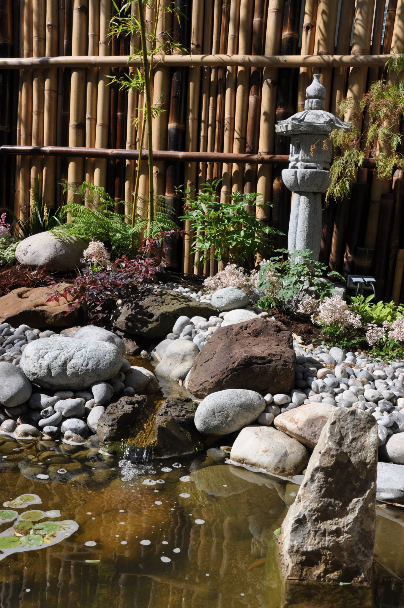 Unique lanterne japonaise jardin id es de salon de jardin for Lanterne jardin japonais